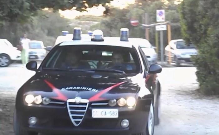 Picchia la convivente davanti alla figlia, arrestato dai carabinieri