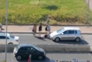 VIDEO Donna investita da un'auto davanti al centro commerciale Latinafiori