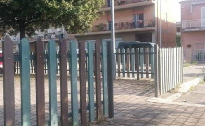 FOTO Parco senza cancelli a Sezze Scalo, la segnalazione di un lettore