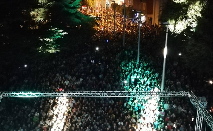 FOTO Edoardo Bennato riempie la piazza di Cisterna